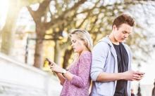 7 สัญญาณเตือน!! สื่อโซเชียลกำลังทำลายความสัมพันธ์ของคุณ
