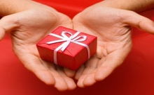 10 ไอเดียเลือกของขวัญให้แฟนหนุ่มง่ายๆ ไม่มีเฟล