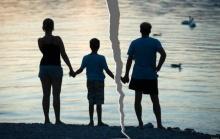 วิธีบอกลูกพ่อแม่เลิกกัน พ่อแม่ควรบอกลูกตอนไหน